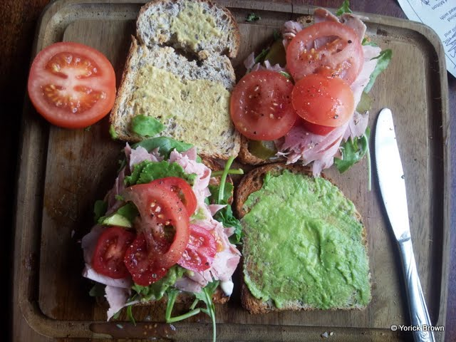 Ham, avocado, tomato, & rocket salad